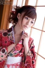 aino_kishi_kimono_020