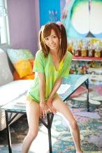 Aino-Kishi-yelow-bikini-024.