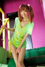 Aino-Kishi-yelow-bikini-07.